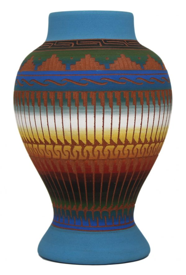 NE565 - Navajo Etched Ceramic Pottery